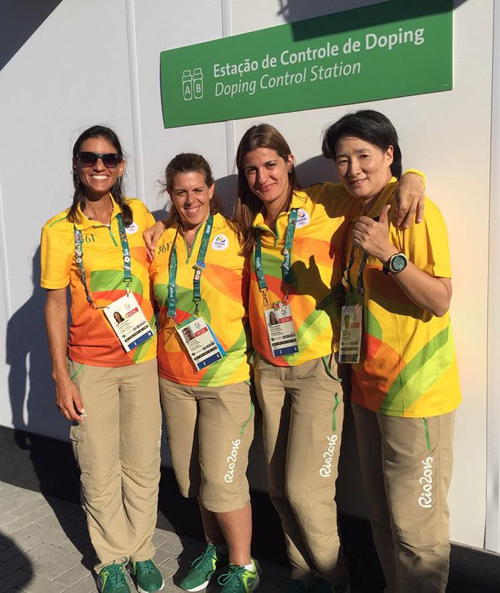 Dr Marija Anđelković u društvu kolega doping kontrolora iz celog sveta